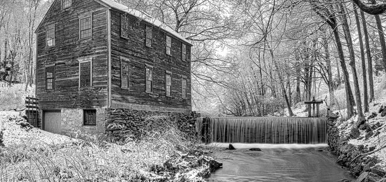 The Emmett Moffett Mill Lincoln Ri~Viglone Glen